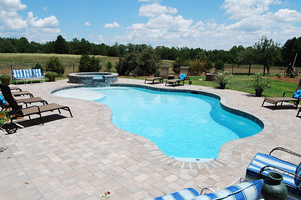 Free form gunite pool